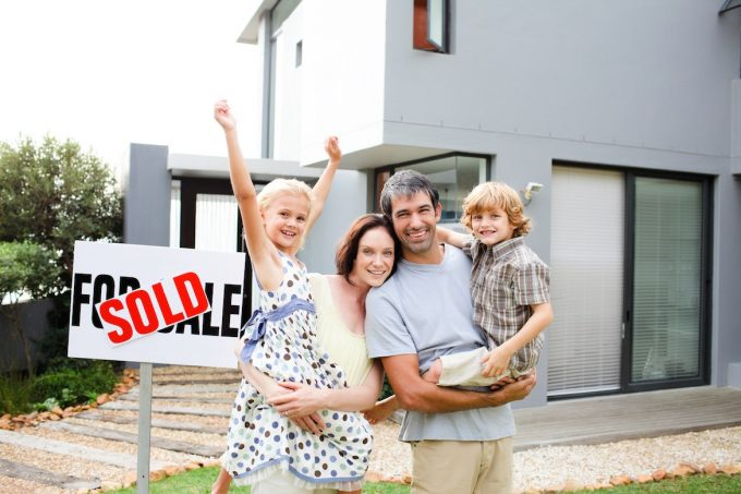 Buying Your First Home: 6 Things You Absolutely Need to Know buying your first home