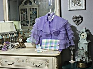 Simple decluttering is an important part of home staging