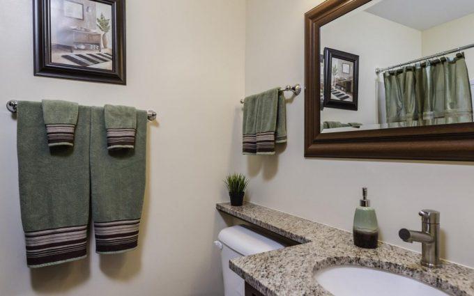 bathroom real estate photographs