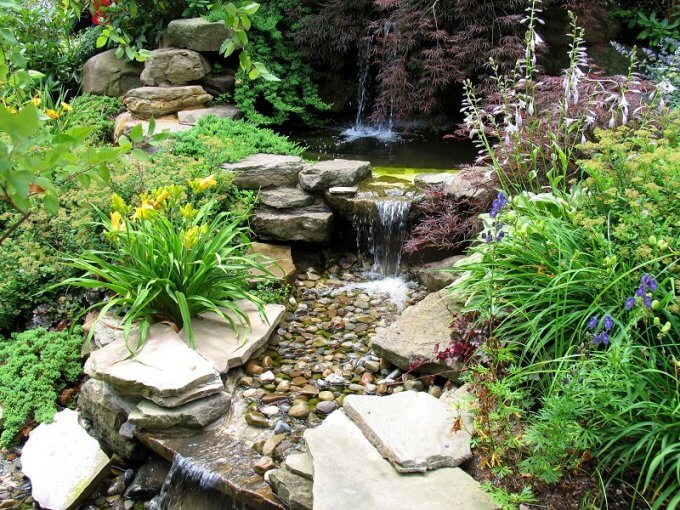 Designing Your Small Garden With Cobblestones