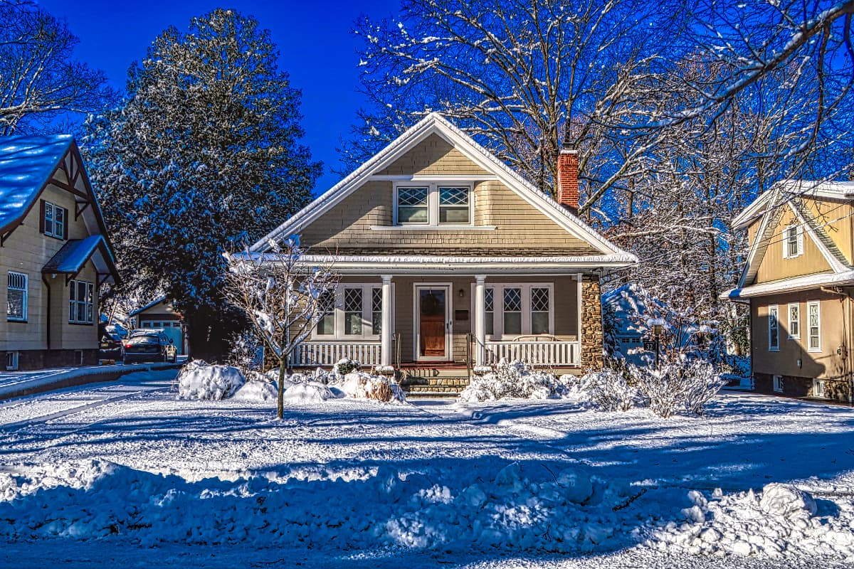 Winter Houses in Winnipeg Real Estate Report