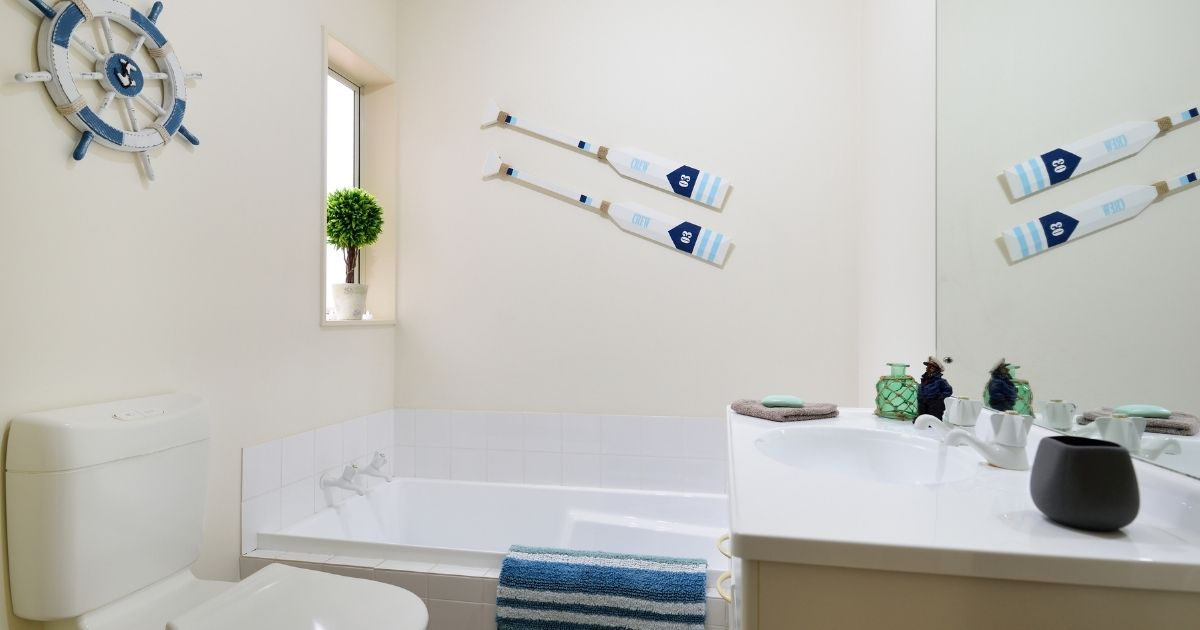 Ways To Add a Subtle Seaside Theme To Your Bathroom