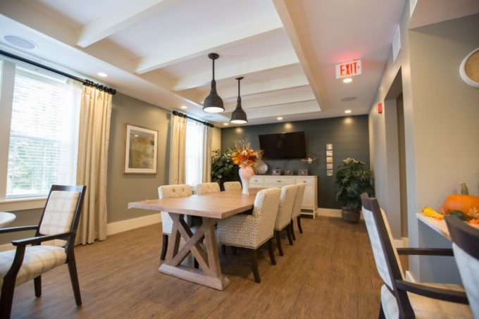 Selecting the right dining room table