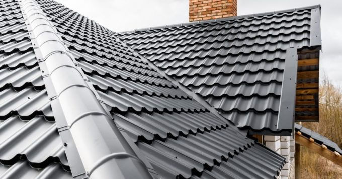 How Metal Roofing Can Accentuate Your Craftsman-Style House